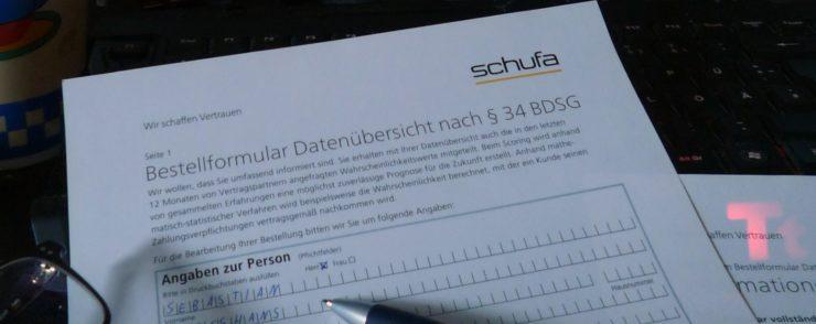 Mit einem guten Schufa-Score ist der zukünftige Vermieter beruhigt. Wie und wo es die Selbstbewertung kostenlos gibt, erfährst du auf www.DeinMetrolife.de